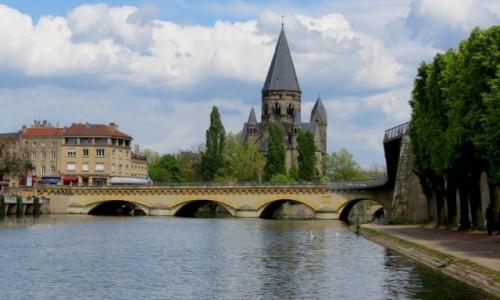 Zdjęcie FRANCJA / Lotaryngia / Metz / Moyen Pont des Morts...