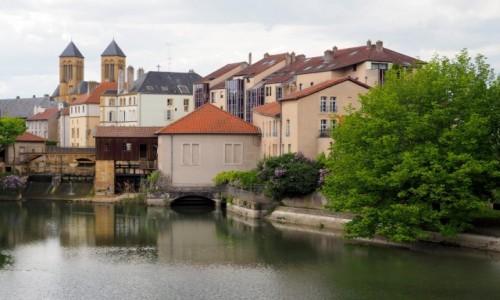 Zdjęcie FRANCJA / Lotaryngia / Metz / niby w mieście, a jaki  spokój...