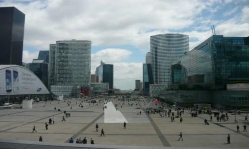 Zdjęcie FRANCJA / - / La Defense - biznesowa dzielnica Paryża / La Defense - biznesowa dzielnica Paryża