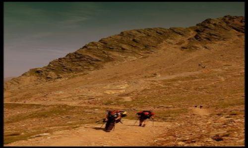 Zdjęcie FRANCJA / Alpy Graickie / Masyw Mont Blanc / Idąc...