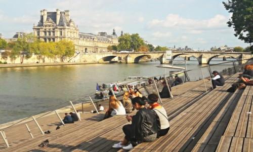 Zdjecie FRANCJA / - / Paryż / Relaks nad Sekwaną