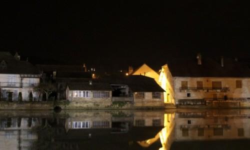 Zdjecie FRANCJA / Burgundia-Franche-Comté / Quingey / Nocą