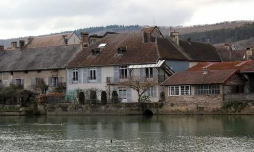 Zdjecie FRANCJA / Burgundia-Franche-Comté / Quingey / Urokliwe domki
