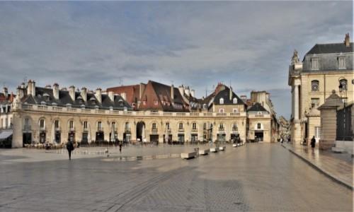 Zdjęcie FRANCJA / Burgundia / Dijon / Dijon, plac przed pałacem