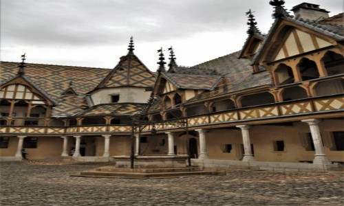 Zdjęcie FRANCJA / Burgundia / Beaune / Beaune,hospicjum z XV w.