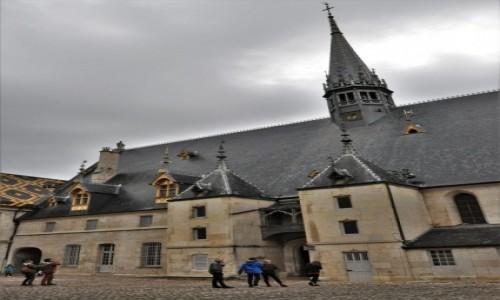 Zdjęcie FRANCJA / Burgundia / Beaune / Beaune,hospicjum z XV w. - koniec