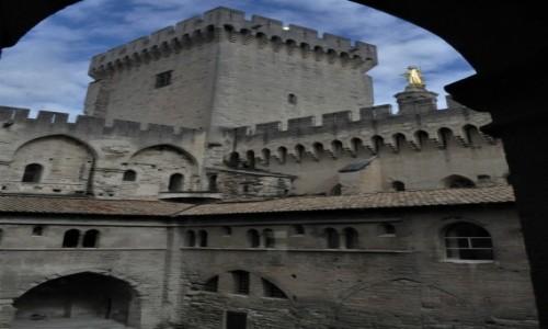 Zdjecie FRANCJA / Prowansja / Avignon / Avignon, pałac papieży z XIV w.