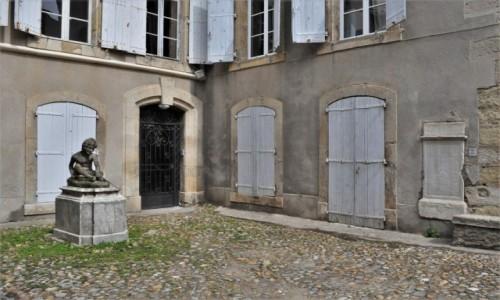 Zdjęcie FRANCJA / Oksytania / Narbonne / Narbonne, zaułek