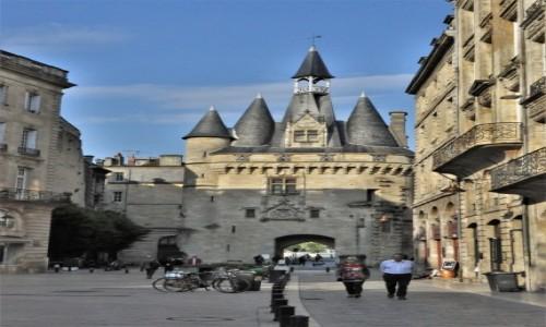 Zdjęcie FRANCJA / Akwitania / Bordeaux / Bordeaux, jedna z bram miejskich