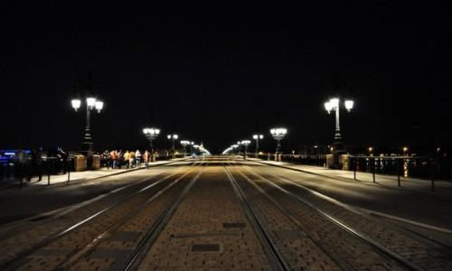 Zdjęcie FRANCJA / Akwitania / Bordeaux / Bordeaux, wieczór