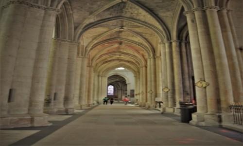 Zdjecie FRANCJA / Szampania / Troyes / Troyes, katedra św. św. Piotra i Pawła (XIII-XVII wiek)