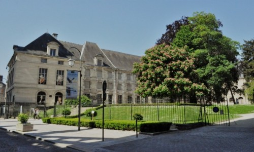 FRANCJA / Szampania / Troyes / Troyes, pałac i muzeum