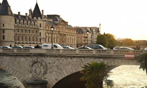 Zdjecie FRANCJA / - / Paryż / Z widokiem na Conciergerie,