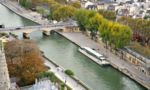 Zdjecie FRANCJA / - / Paryż / I tak nad Sekwaną życie plynie...