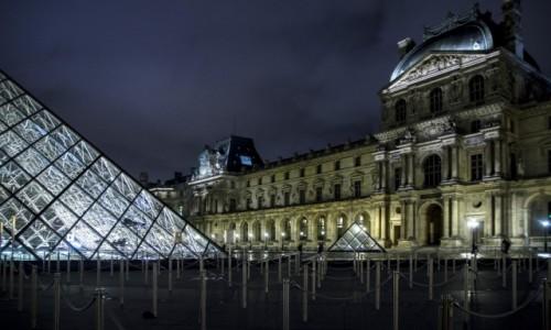 Zdjecie FRANCJA / Paryż / Paryż  / Luwr