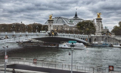 Zdjecie FRANCJA / - / PARYŻ / Z widokiem na most Aleksandra III