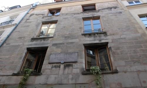 FRANCJA / Ile-de-France / Paryż / Najstarszy budynek - Paryż