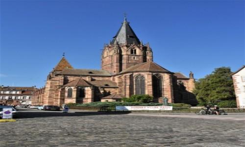 Zdjecie FRANCJA / Alzacja / Wissembourg / Wissembourg, Kościół św. Piotra i Pawła z XIII w., wczesnogotycki