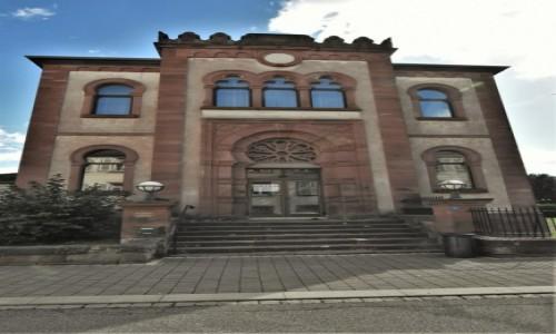 Zdjęcie FRANCJA / Dolny Ren / Niederbronn-les-Bains / Niederbronn-les-Bains, stara synagoga