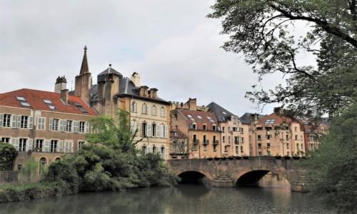 Zdjecie FRANCJA / Lotaryngia / Metz / mirabelkowo...