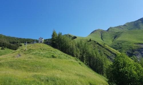 FRANCJA / Alpy Delfinackie / La Salette-cmentarz / Cicho, zielono i z widokiem