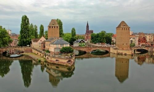 FRANCJA / Alzacja / Strasburg / W lustrze