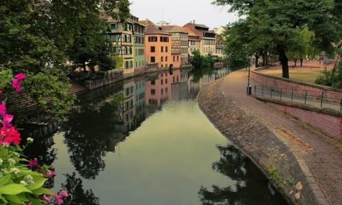 FRANCJA / Alzacja / Strasburg / Kolorowe miasto