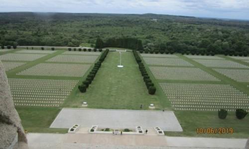 Zdjęcie FRANCJA / Grand Est / Daumfort koło Verdun / Cmentarz żołnierzy francuskich i niemieckich