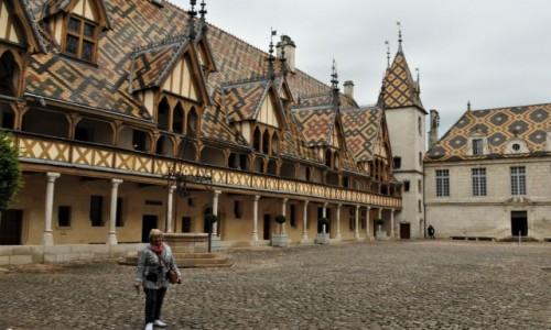 Zdjęcie FRANCJA / Burgundia / Beaune / Beaune, XV wieczny szpital