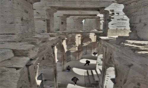 Zdjecie FRANCJA / Prowansja / Arles / Arles, cyrk antyczny