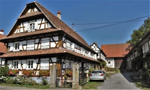 Zdjęcie FRANCJA / Alzacja / Hunspach / Herxheim, stare domy