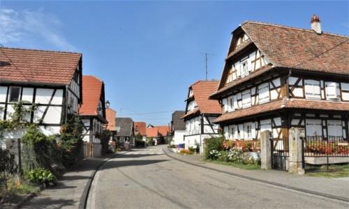 Zdjęcie FRANCJA / Alzacja / Hunspach / Hunspach, posiada tytuł najpiękniejszej wsi we Francji