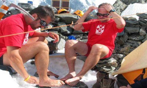 Zdjecie FRANCJA / Masyw Mont Blanc / Lodowiec Tete Rousse / Wieczorna toale
