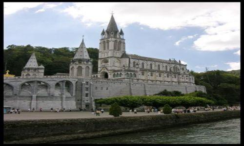 Zdjecie FRANCJA / brak / Lourdes / Nad grotą