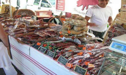Zdjecie FRANCJA / Akwitania / Vieux-Boucon / Pyszności z targu