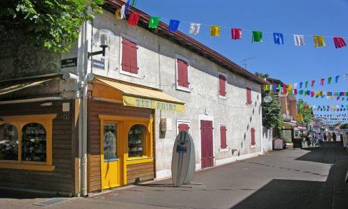 Zdjecie FRANCJA / Akwitania / Vieux-Boucon / Dom-Stodoła