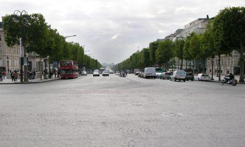 Zdjecie FRANCJA / brak / Paryż / Au Champs Elisée