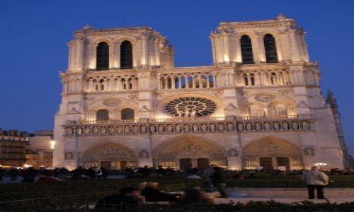 Zdjęcie FRANCJA / brak / Paryż - Katedra Noterdam / Paryż - Katedra Noterdam wieczorem