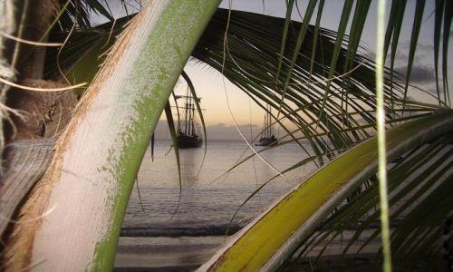 FRANCJA / Martynika / plaża kolo Sainte Marie wsch.częśc wyspy / wieczór w Sainte Marie