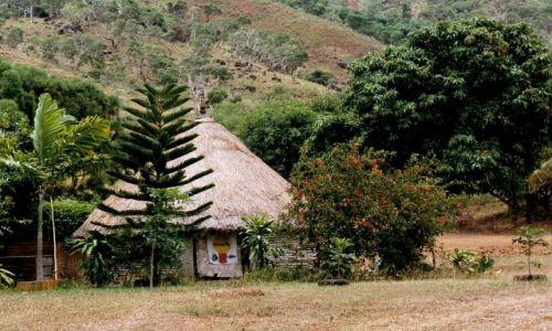 Zdjęcie FRANCJA / Nowa Kaledonia / wieś / dom