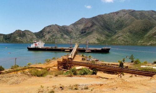 Zdjęcie FRANCJA / Nowa Kaledonia / port / załadunek