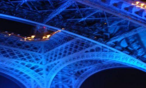 Zdjecie FRANCJA / Paryz / Paryz / blekitna wieza