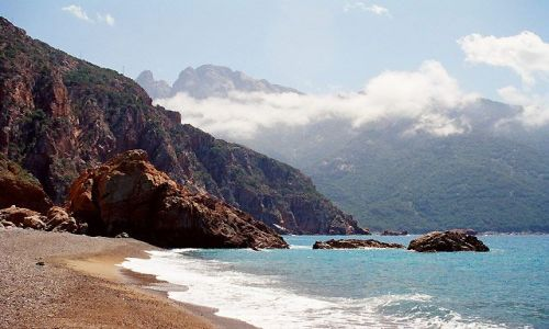 Zdjecie FRANCJA / okolice Porto / Plaża de Bussaglia / Korsyka - Haute Corse - Plage de Bussaglia