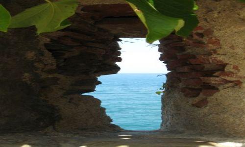 Zdjecie FRANCJA / Langwedocja / Collioure / ...widok na morze...