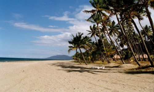 FRANCJA / Nowa Kaledonia / Plaża / Okolice  Hienghene