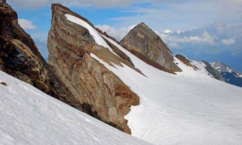 Zdjecie FRANCJA / Pireneje / Lodowiec Ossoue / Turnie szczytowe Vignemale