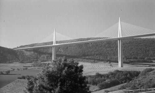 Zdjecie FRANCJA / brak / Południowa Francja / Millau - nad rzeką Tarn
