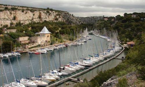 Zdjecie FRANCJA / - / Cassis / wybrzeże Morza Śródziemnego