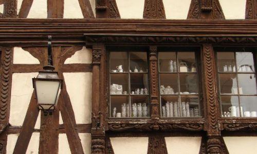 FRANCJA / - / Strasburg / typowe wzory na budynkach