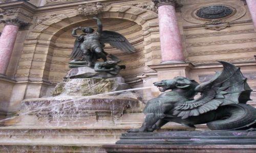 Zdjecie FRANCJA / - / Paryż / Archanioł Michał